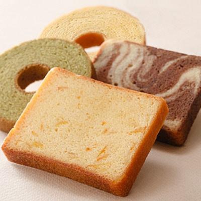 人気のしっとりケーキ4種類を詰合せ♪バウムクーヘン&パウンドケーキセット